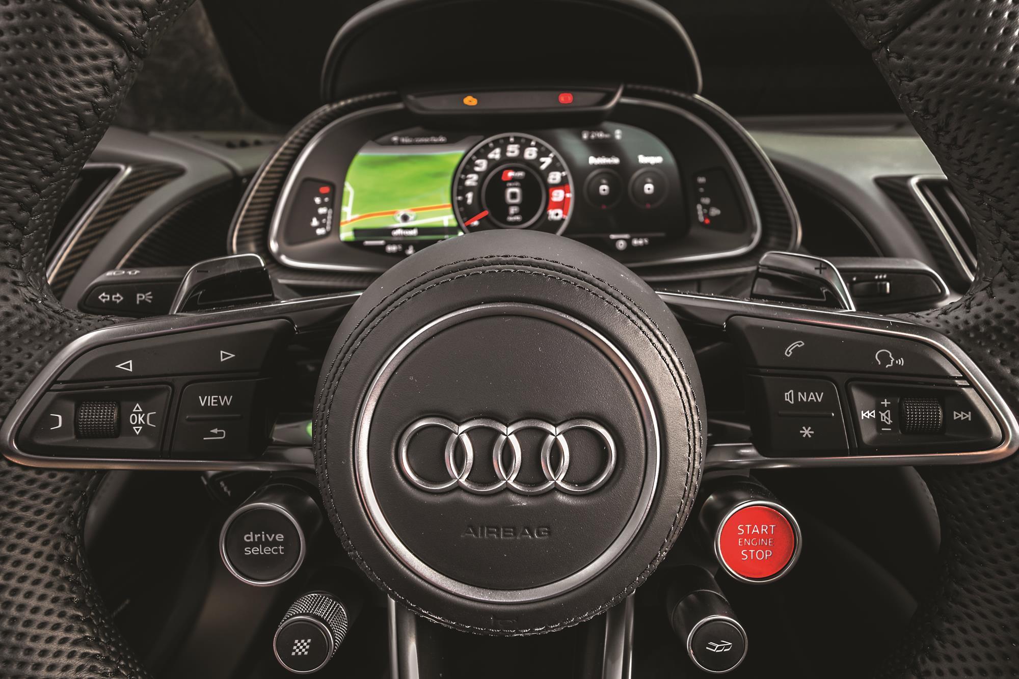Audi R8 V10 Performance 2020 amarelo volante botão de partida
