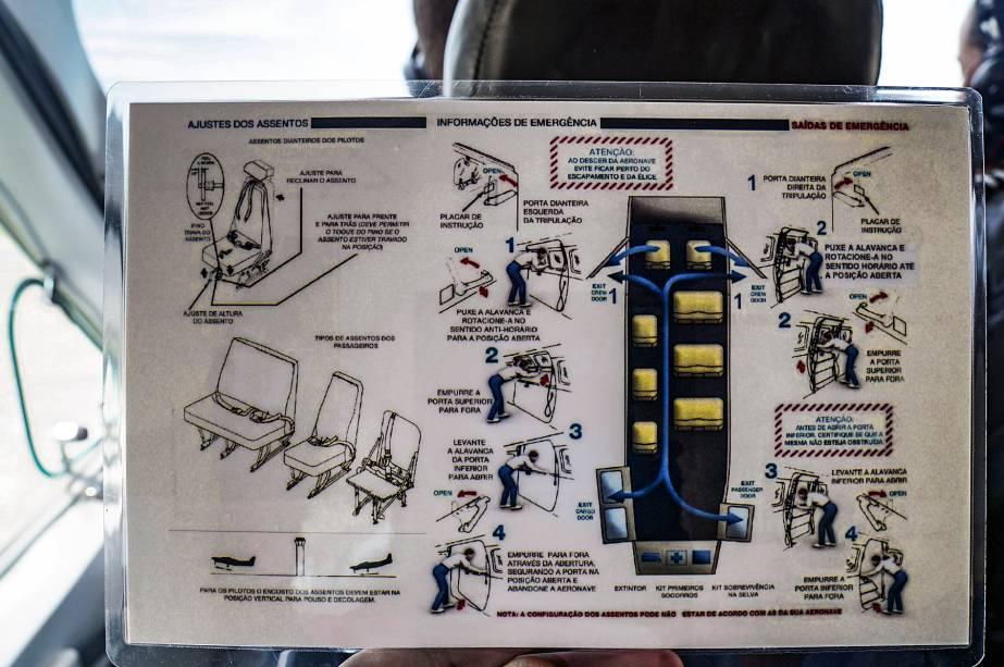 Eficiência é tudo: as instruções de segurança aos passageiros também contém detalhes para os pilotos