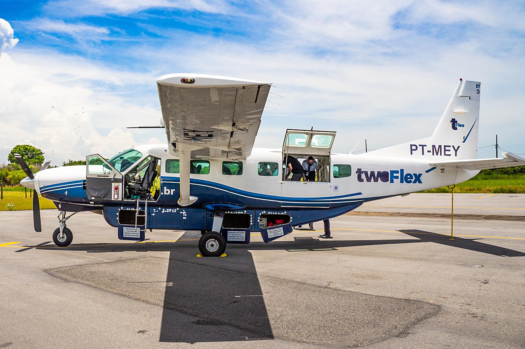 Cessna 208B Grand Caravan da Azul, ainda com pintura da TwoFlex