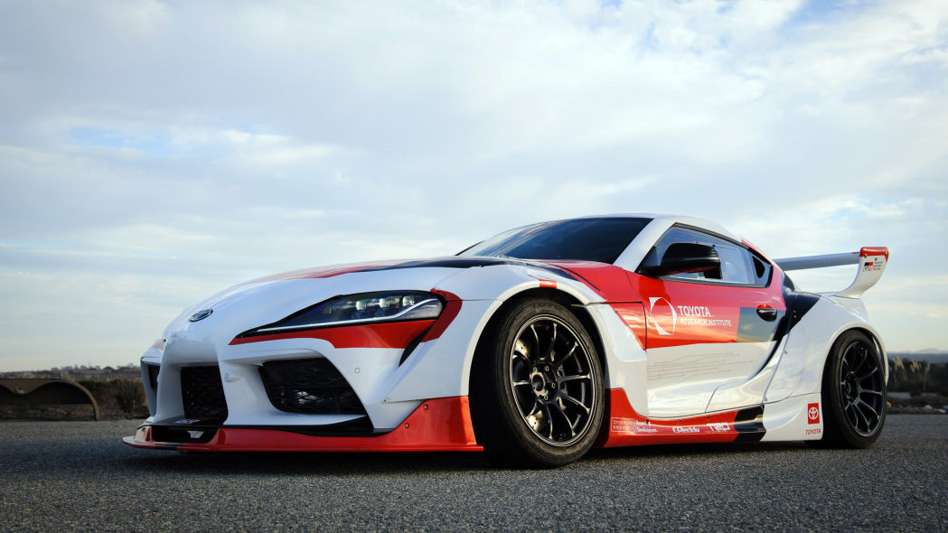 Modelo Toyota Supra modificado para um projeto de pesquisa da fabricante