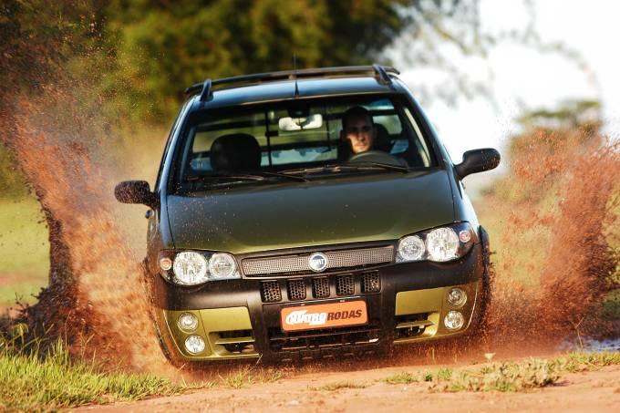 Strada Adventure 1.8, da Fiat, testada pela revista Quatro Rodas em 2005