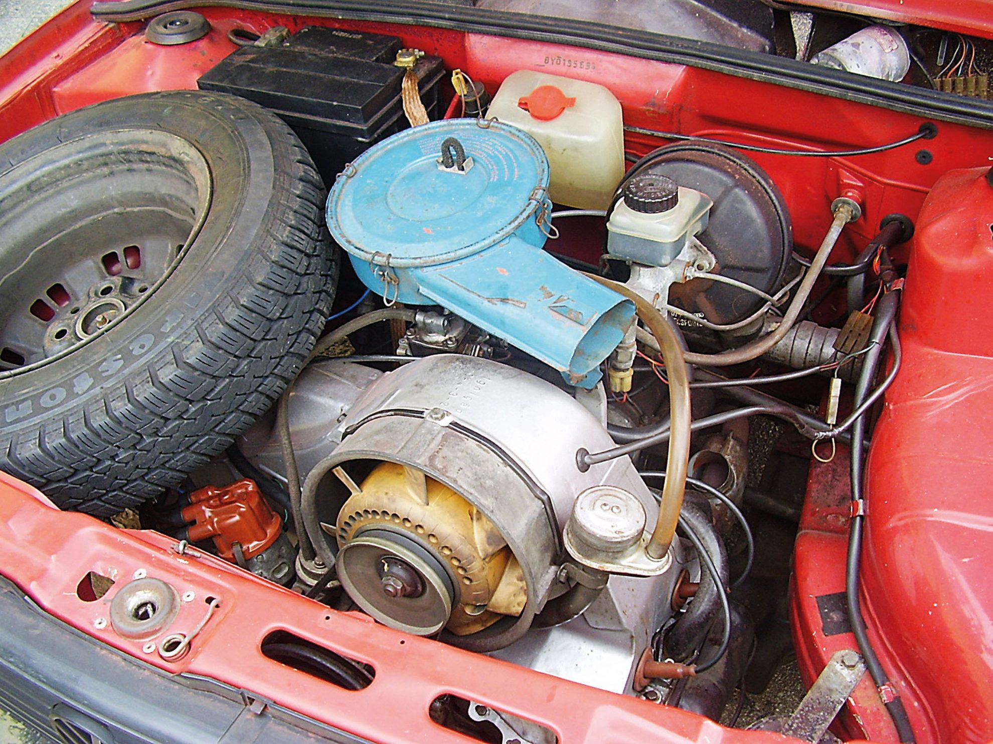 Motor com dois carburadores do Gol 1980