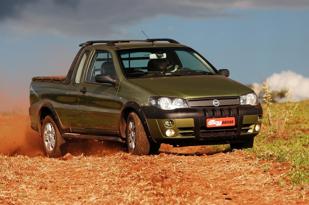 Picape Strada Adventure modelo 2005 da Fiat testada pela revista Quatro Rodas.