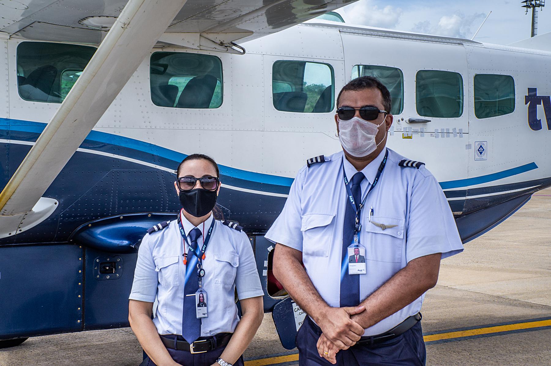 Piloto e copiloto da Azul Conecta