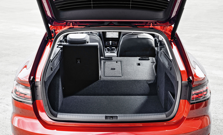 Volkswagen Arteon Shooting Brake vermelho porta-malas
