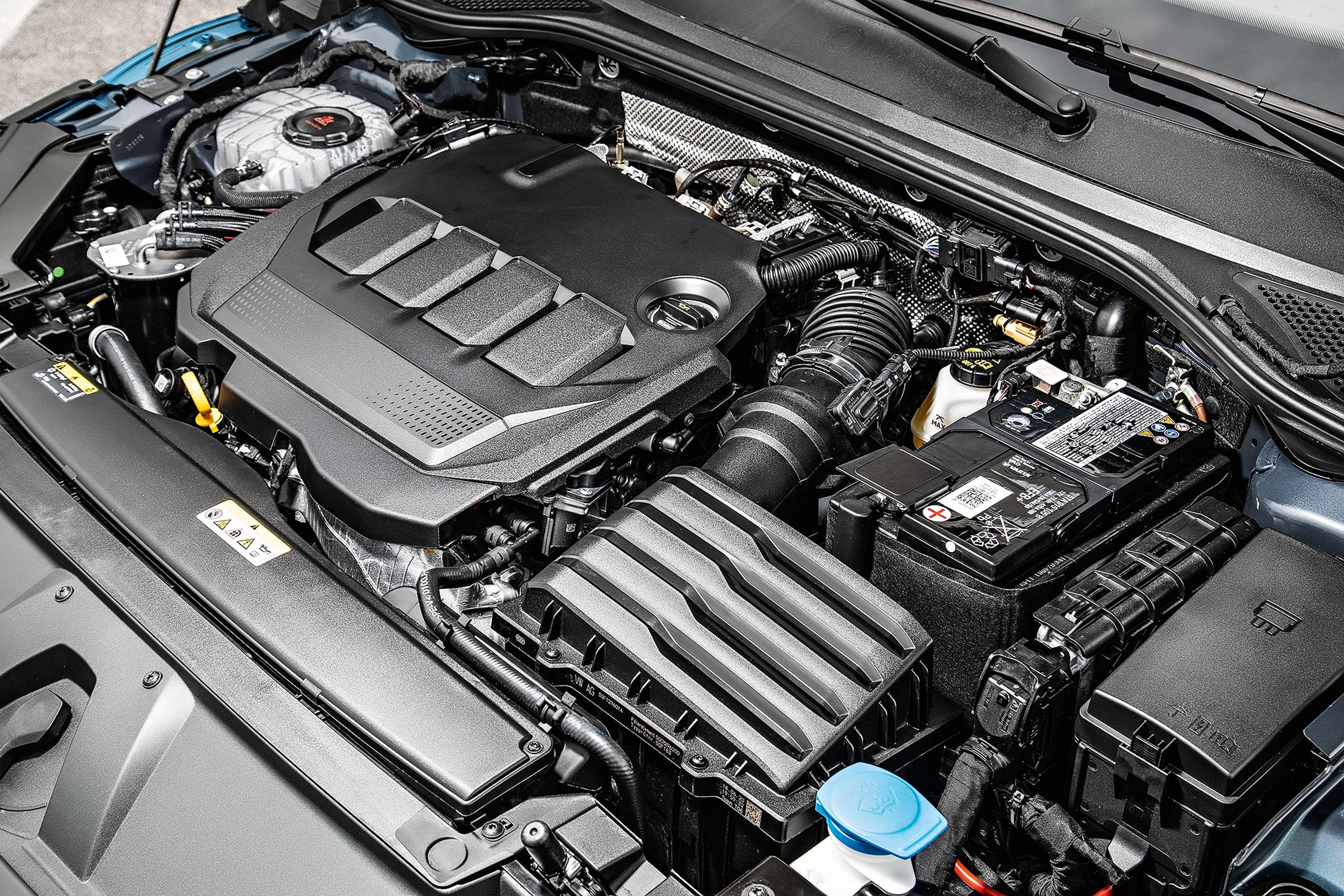 Volkswagen Arteon Shooting Brake vermelho motor
