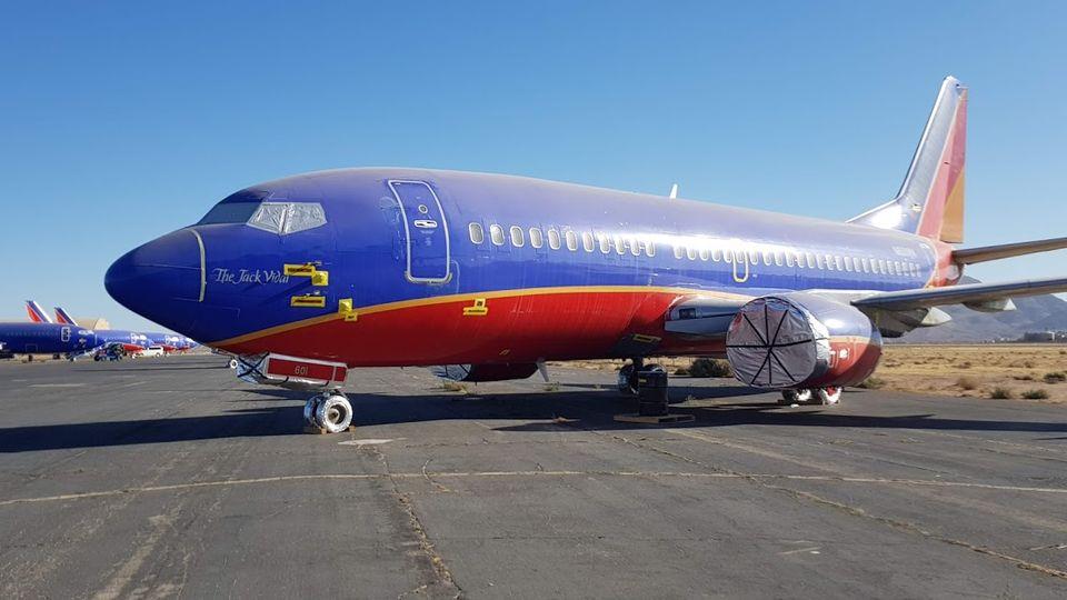 Não há motores no Boeing, apenas suas carenagens