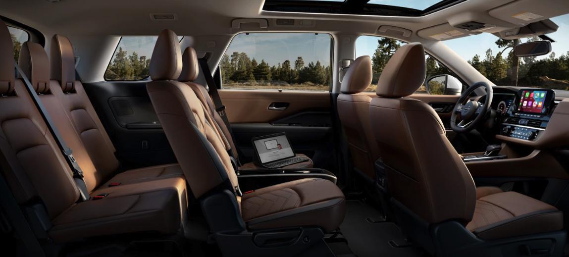 Segunda fila de bancos do Nissan Pathfinder 2022