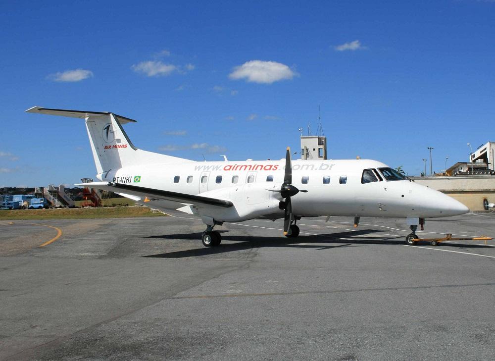 Embraer EMB-120 Brasília, da Air Minas Linhas Aéreas.