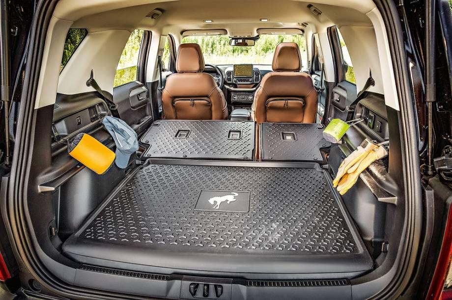 No porta-malas, cabem de 481 a 993 litros de bagagem