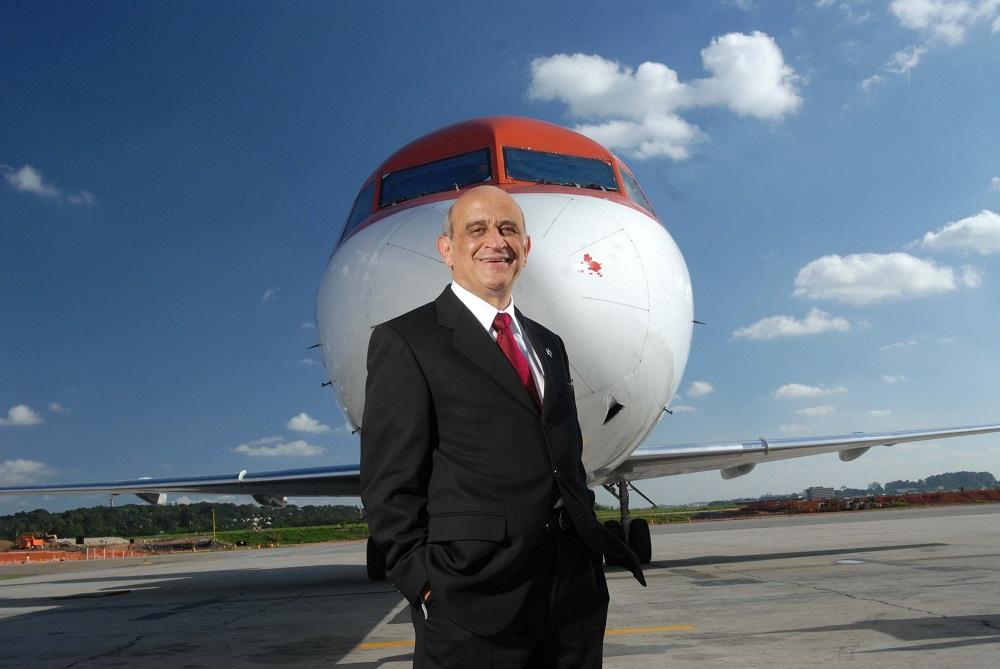 German Efromovich, presidente da OceanAir, no Aeroporto Internacional de Guarulh Germano Luders Veja