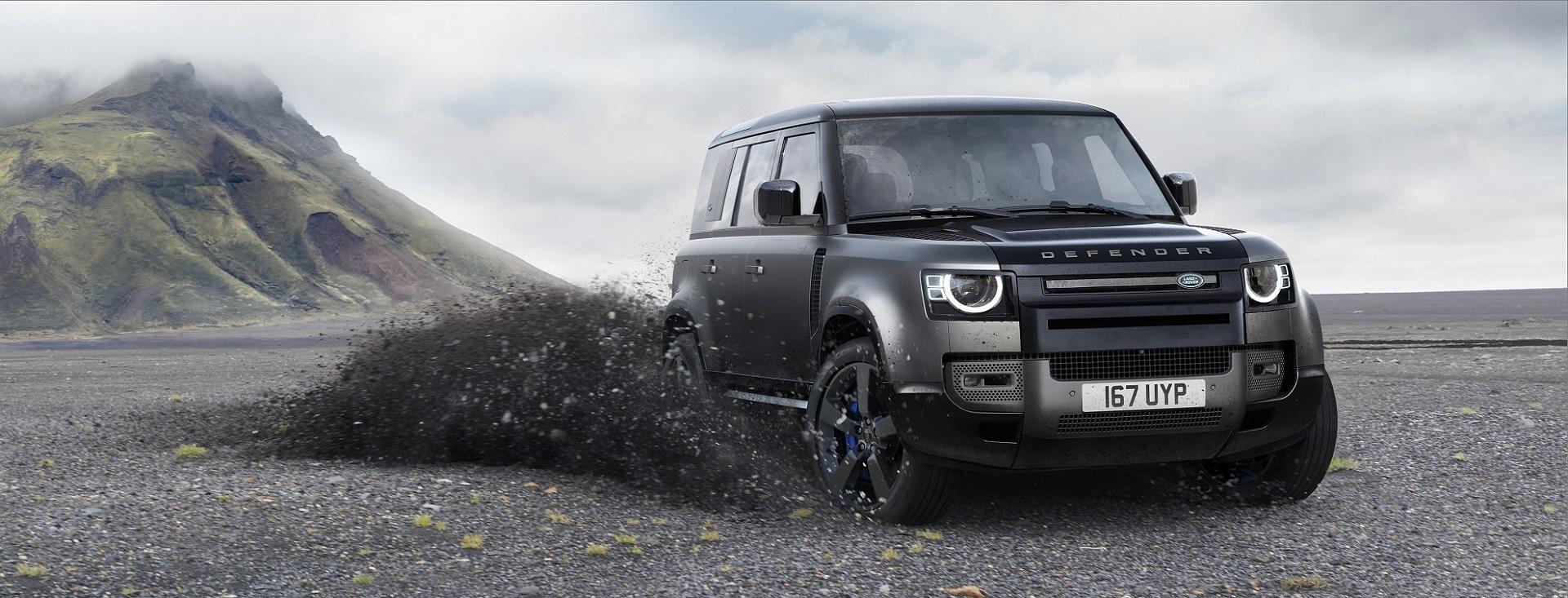 Versão de topo, Defender V8 Carpathian vem com detalhes em preto, adesivos exclusivos e o que a Land Rover definiu como