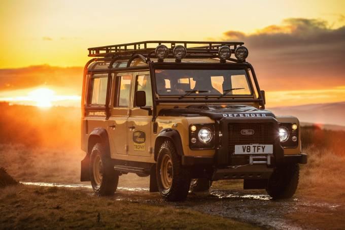 Land Rover Defender Camel Trophy 2021 2