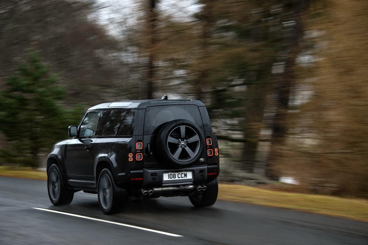 Menor, variante 90 passa tranquilamente dos 200 km/h e traz mecanismos para rodagem estável