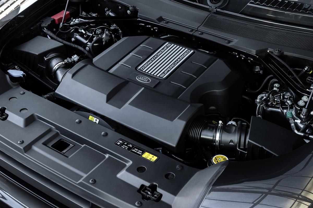 Motor V8 é nada modesto em suas especificações