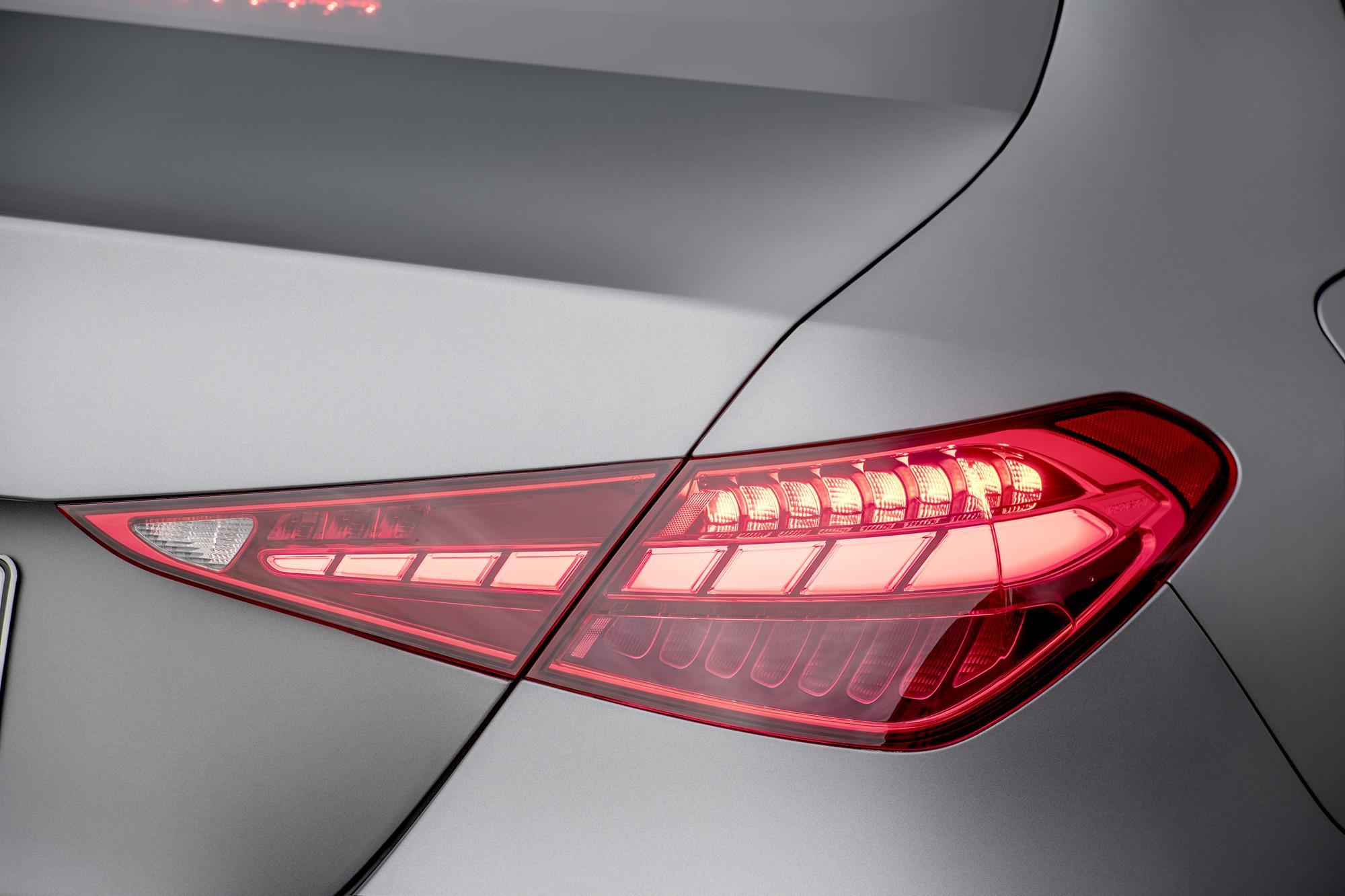 Mercedes-Benz-Classe-C-2022-8.jpg