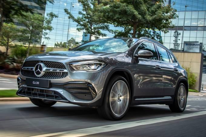 Mercedes GLA 200 AMG Line (1)