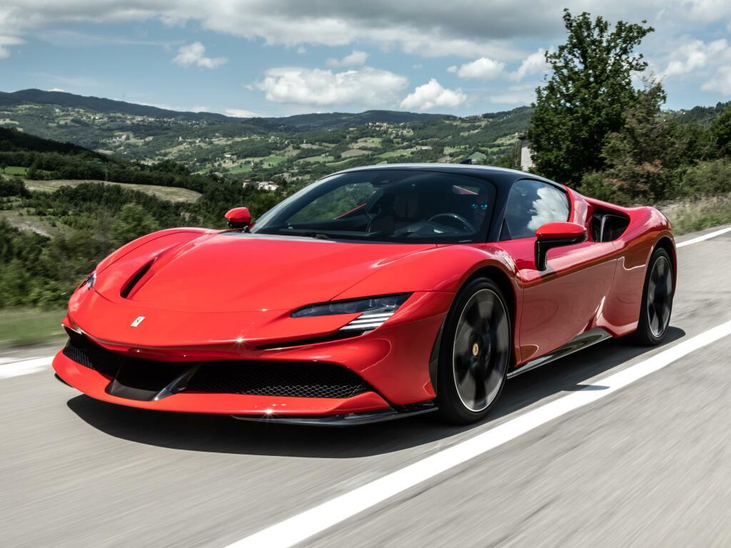 Ser híbrida como a SF90 não basta: Ferrari almeja um EV completo