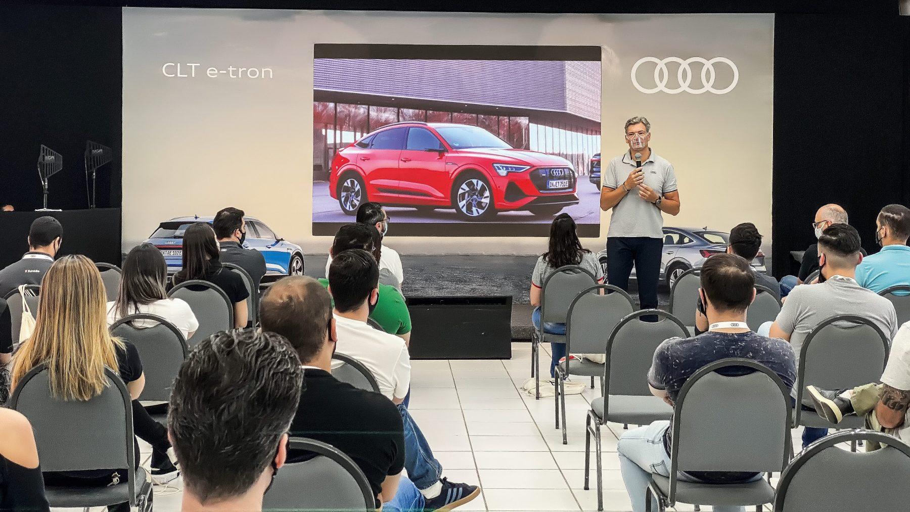 O presidente da Audi, Johannes Roscheck, deu as boas-vindas aos convidados.