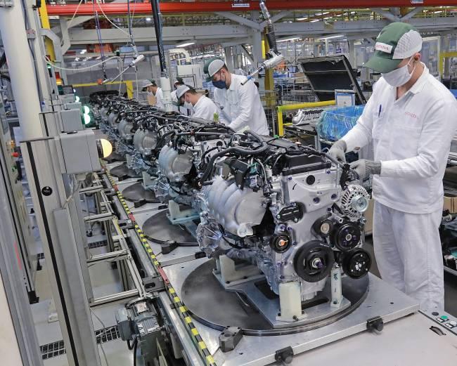São 9.660 motores que saem prontos para serem instalados em todos os carros da Honda fabricados no Brasil. A fundição ainda produz componentes para a fábrica da marca no México