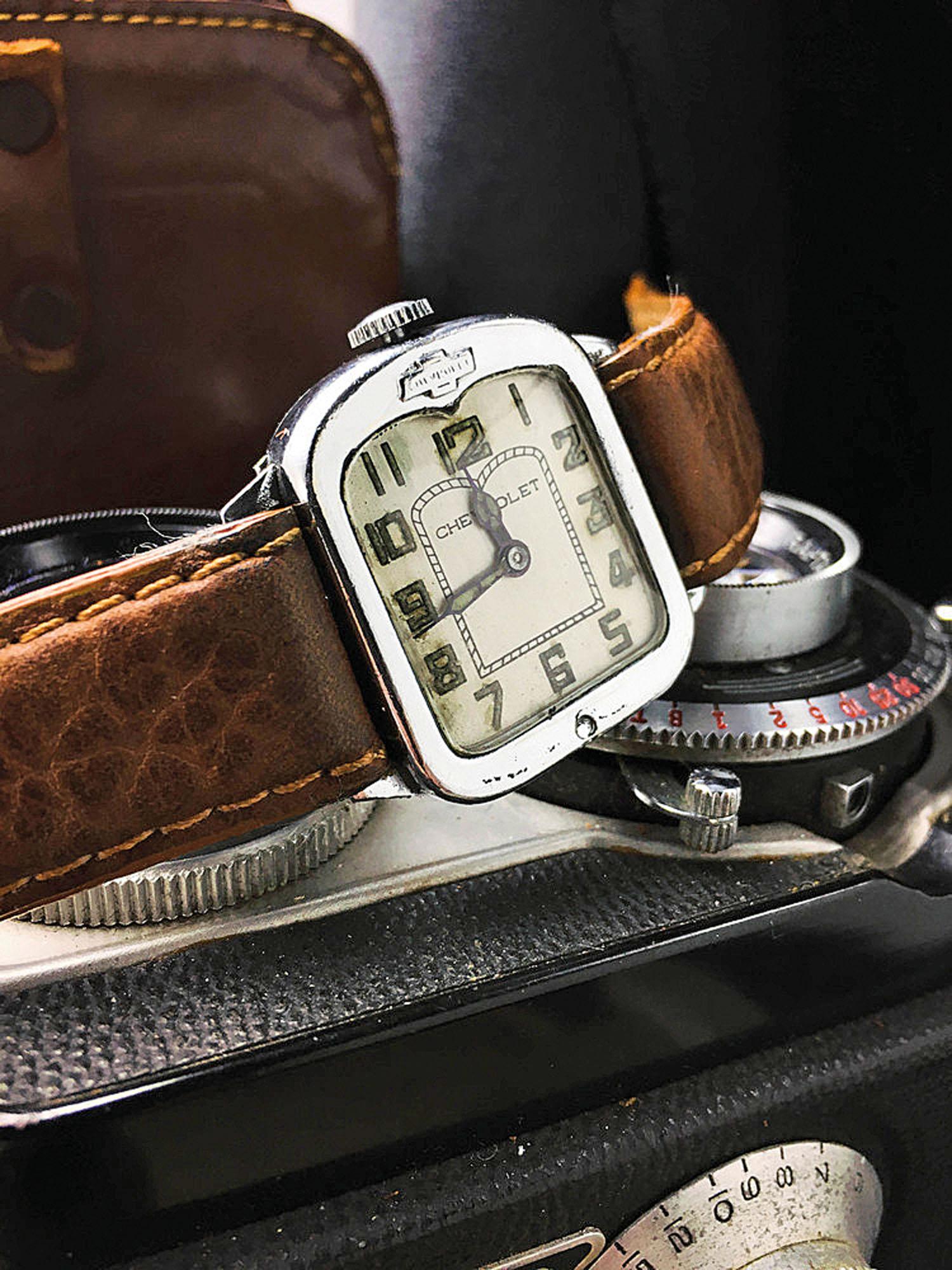 A suiça Mido foi a primeira a imaginar um relógio em formato de radiador, mas a General Motors foi além e os usou como ferramenta de marketing e vendas, presenteando os melhores vendedores da companhia