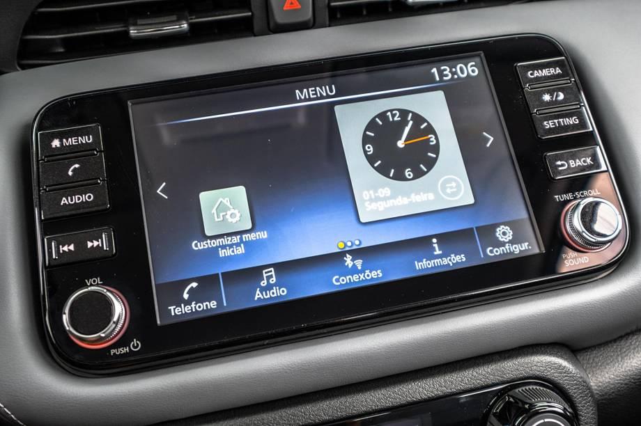 Central multimídia conecta com sistemas Carplay e Android Auto
