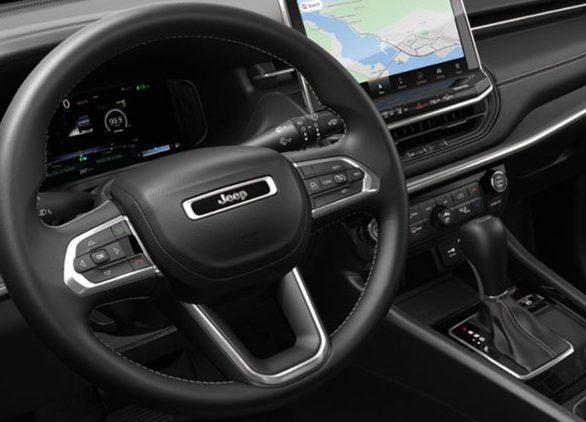Volante do Jeep Compass 2022, que estreia em abril, é o mesmo com outro logotipo no centro; SUV Fiat aproveitará os botões do Compass antigo - Novo SUV FIAT
