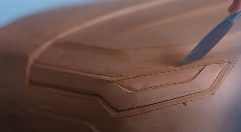 Parte superior dos faróis terá luzes diurnas de leds e faróis - Novo SUV FIAT