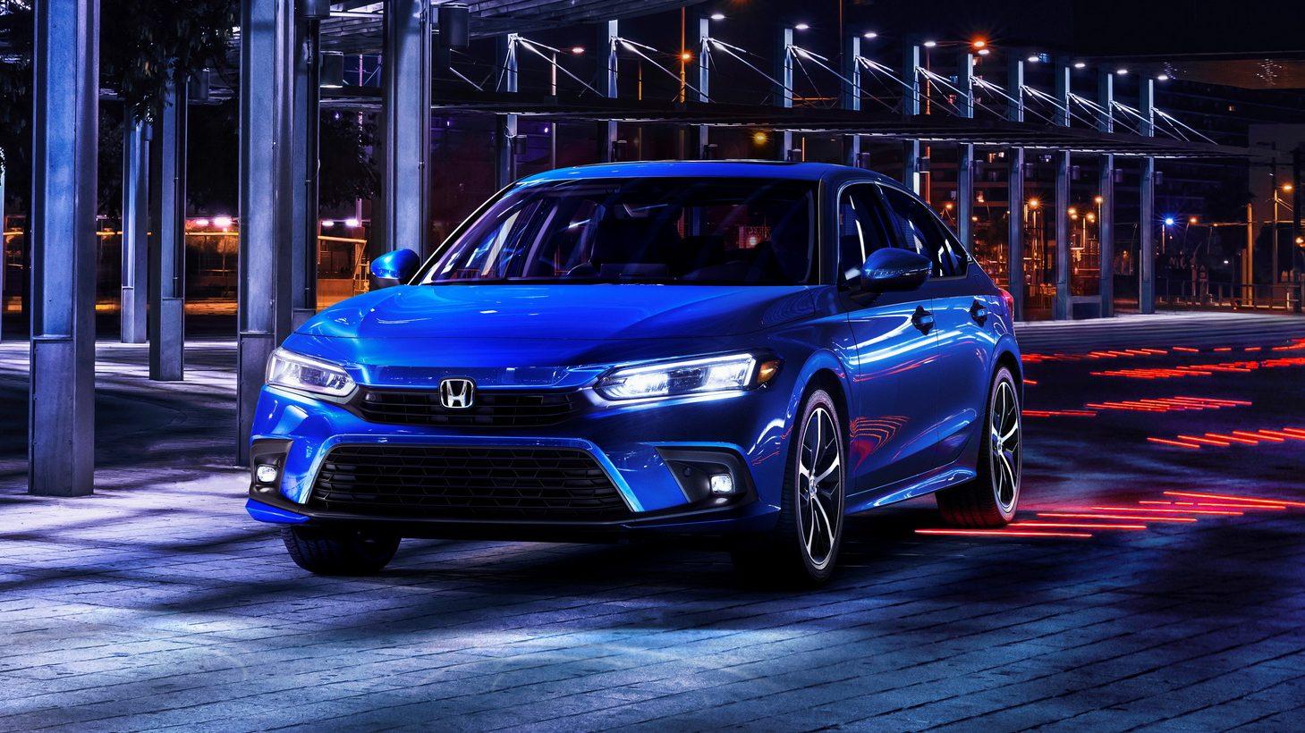 Honda Civic 2022 azul visto 3/4 de frente