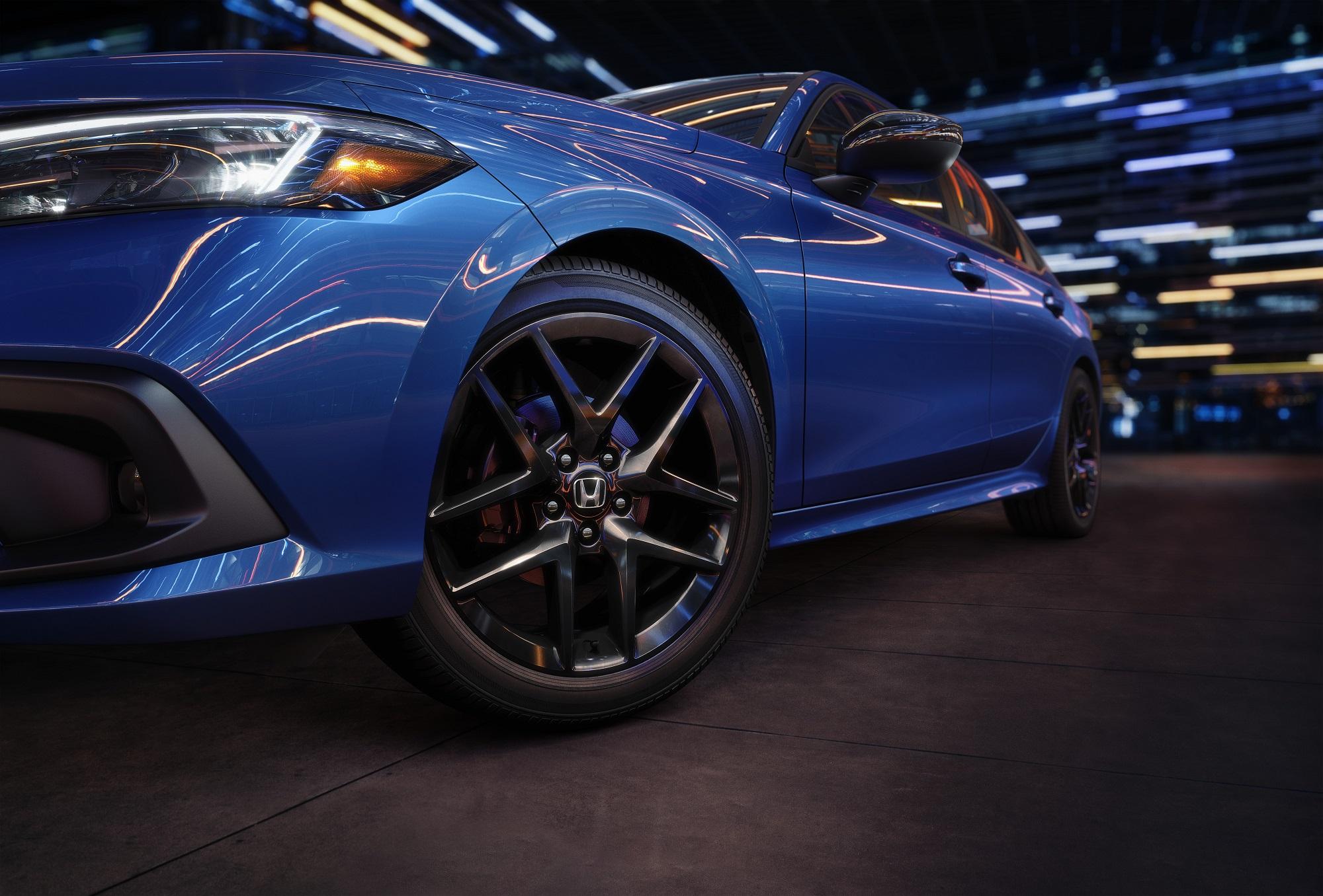 2022 Honda Civic Sedan Sport azul detalhe das rodas