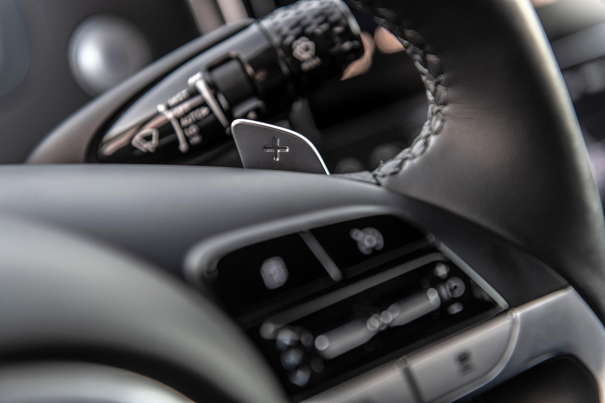 Detalhe do volante da nova Hyundai Santa Cruz