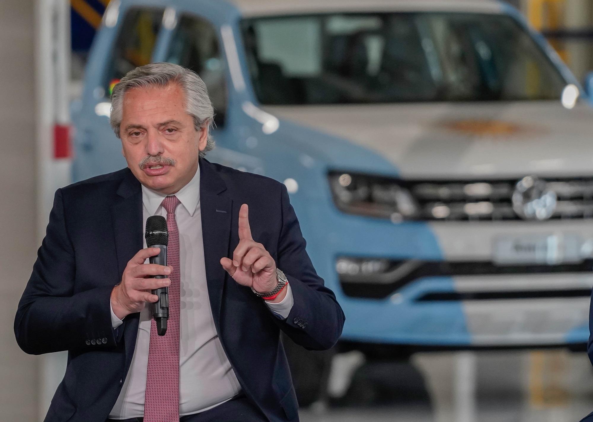 Presidente argentino Alberto Fernández agiu com firmeza e críticas vieram equivalentes