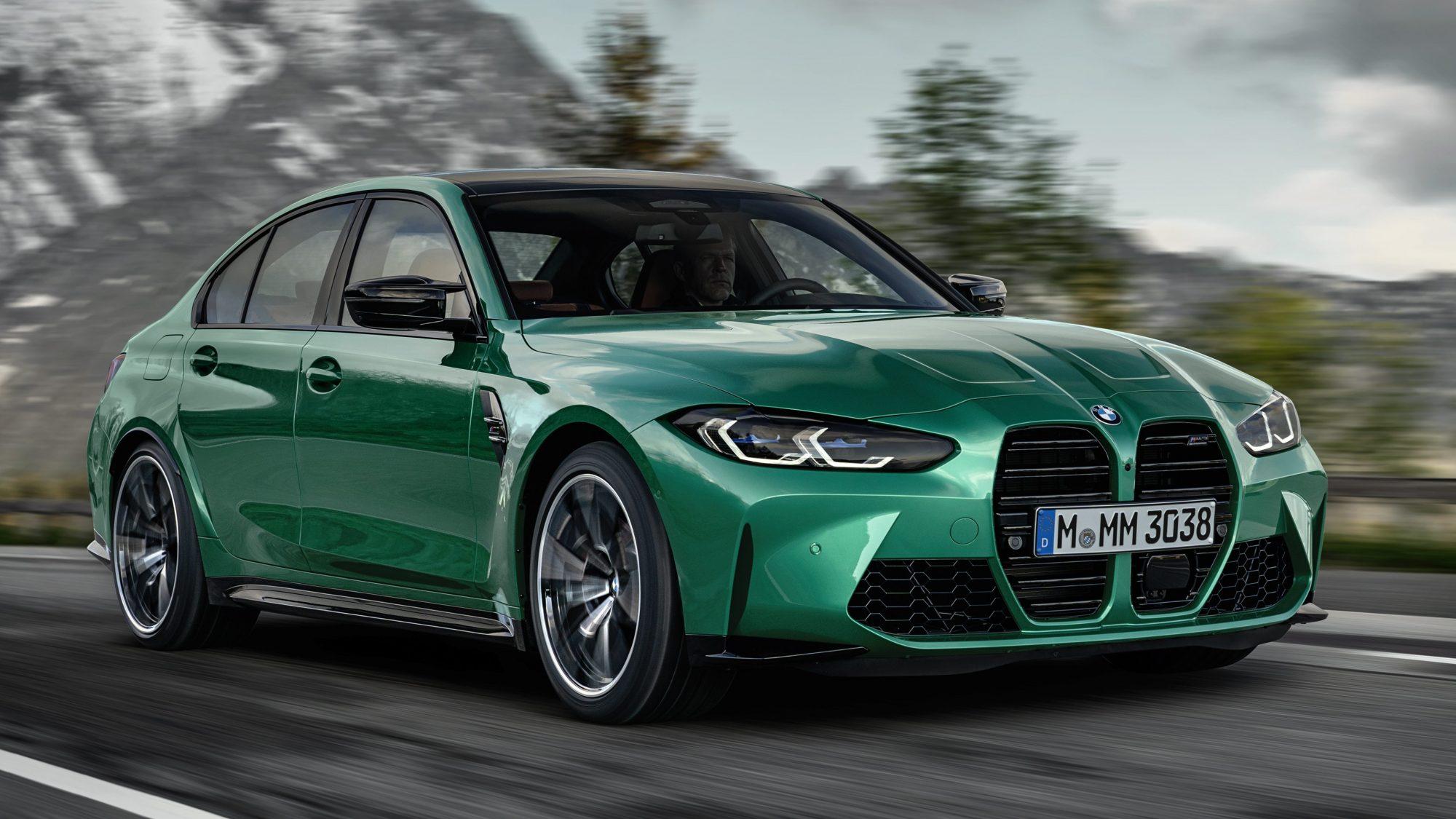 BMW M3 verde acelerando