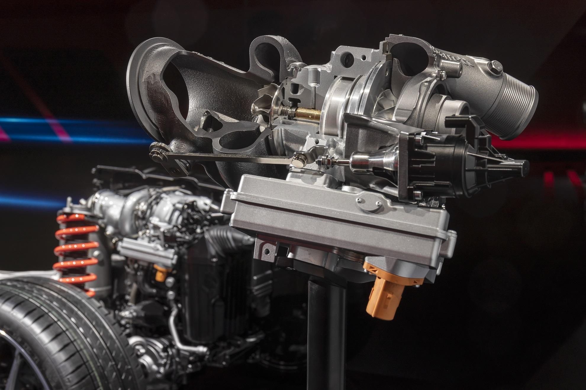TecDAY AMG Future of Driving Performance Eigenständige E PERFORMANCE Antriebsstrategie für Performance-Hybride; Antriebsstrang 4-Zylinder (M139); Elektrischer Abgasturbolader // TecDAY AMG Future of Driving Performance Independent E PERFORMANCE drivetrain strategy for performance hybrids; Drivetrain 4-cylinder (M139); Electric exhaust-gas turbocharger
