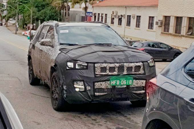 Flagra Projeto 598 Jeep Commander