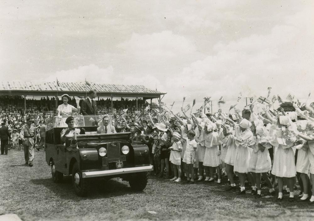 Philip e Elizabeth II visitaram a Austrália em 1954 e, desde então, já optavam pelos Land Rover