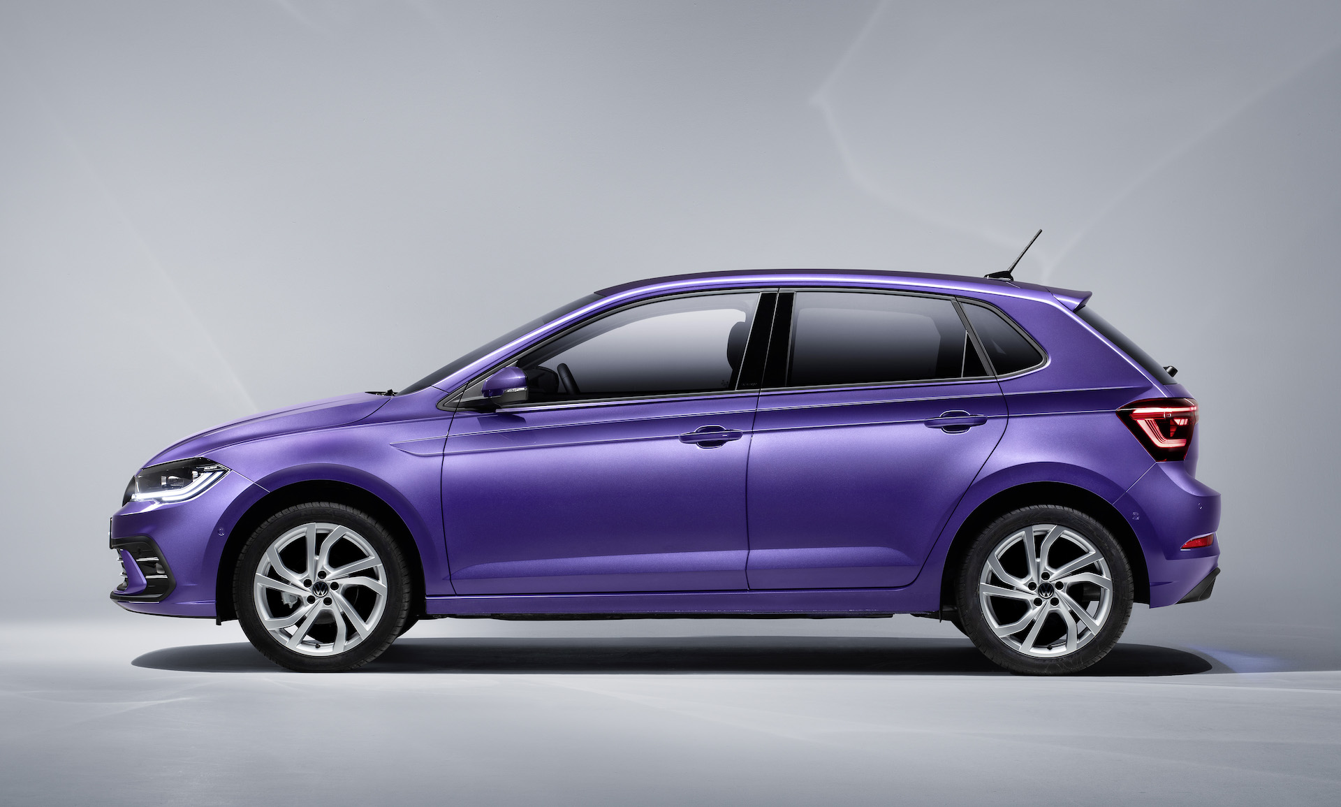 Volkswagen Polo 2022 EURO Life Style R-Line (1)