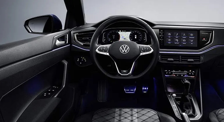 Volkswagen-Polo-2022-painel