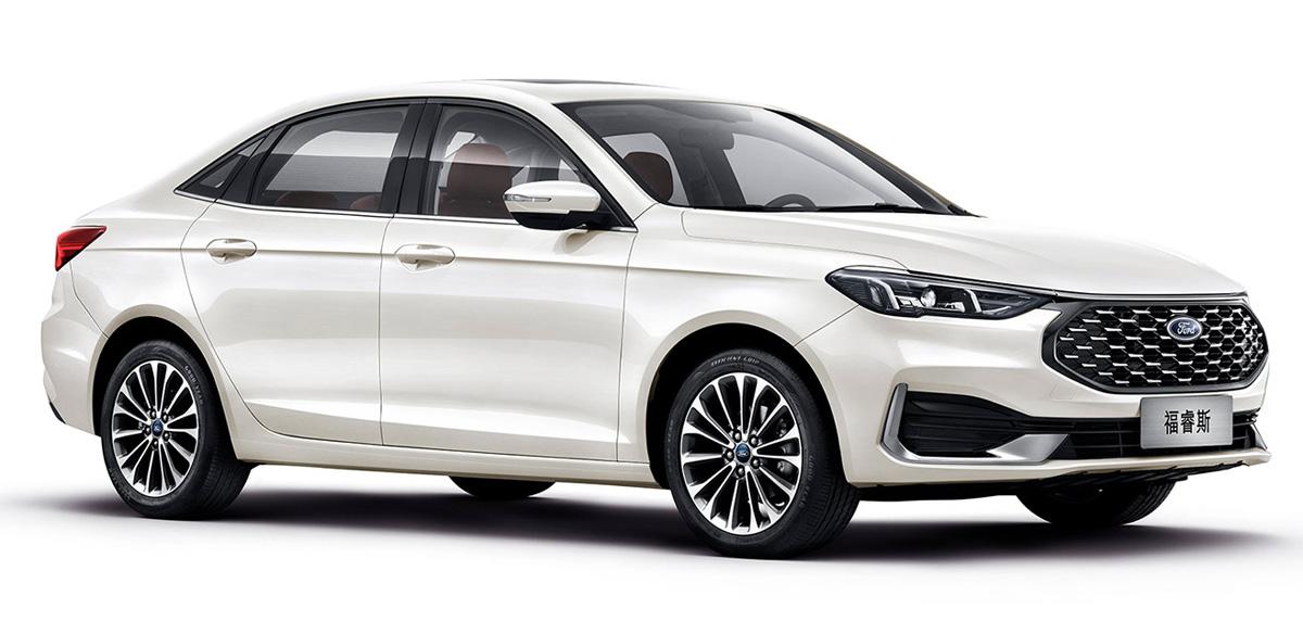 Ford Escort branco frente