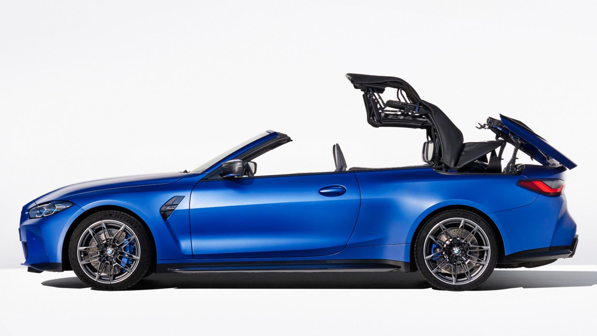 BMW M4 Competition 2022 azul visto de lado