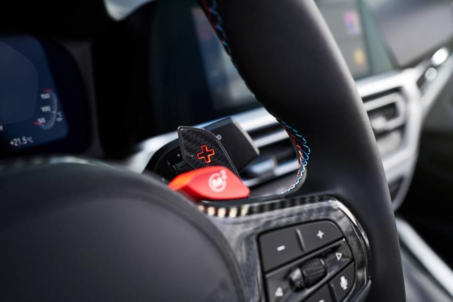 O volante multifuncional poderá ter aquecimento caso o cliente escolha esse adicional