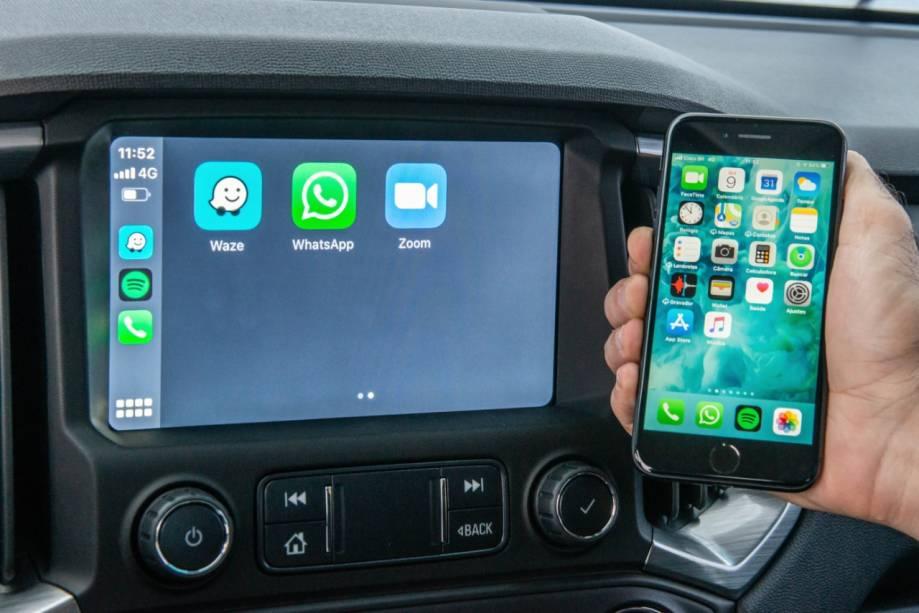 As versões LTZ e High Country possuem telas Touch Screen de 8'' e o sistema Chevrolet MyLink que permite você reproduzir a tela do seu smartphone sem precisar de cabo