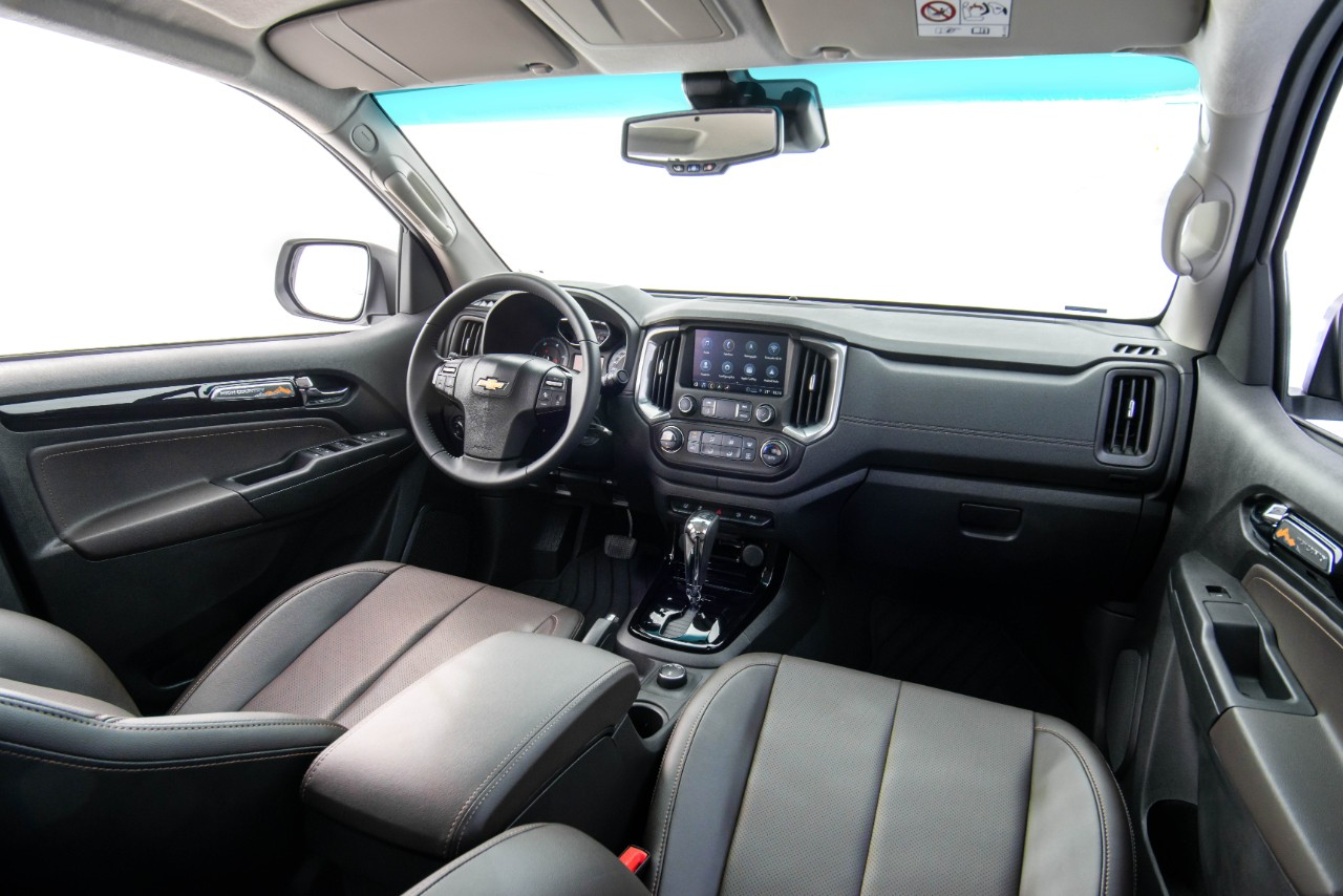 S10 High County 2022 interior