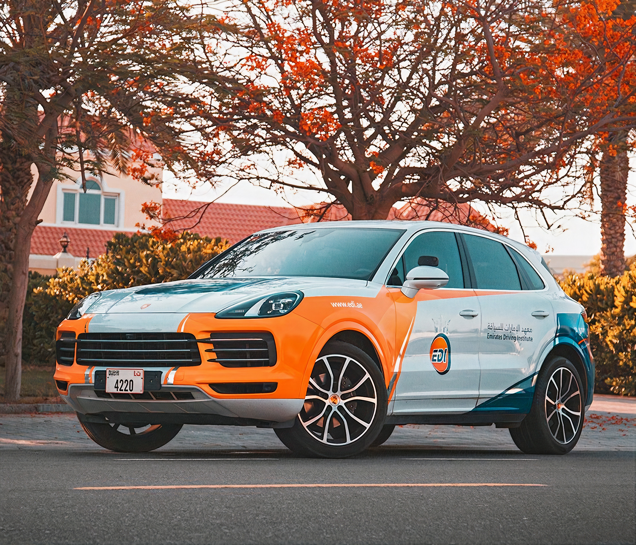 Emirates Driving Institute Porsche Cayenne