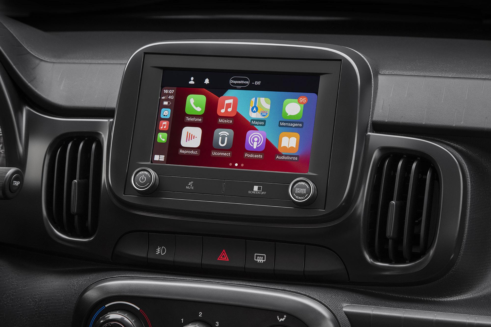 Fiat Mobi Trekking 2022 central multimídia