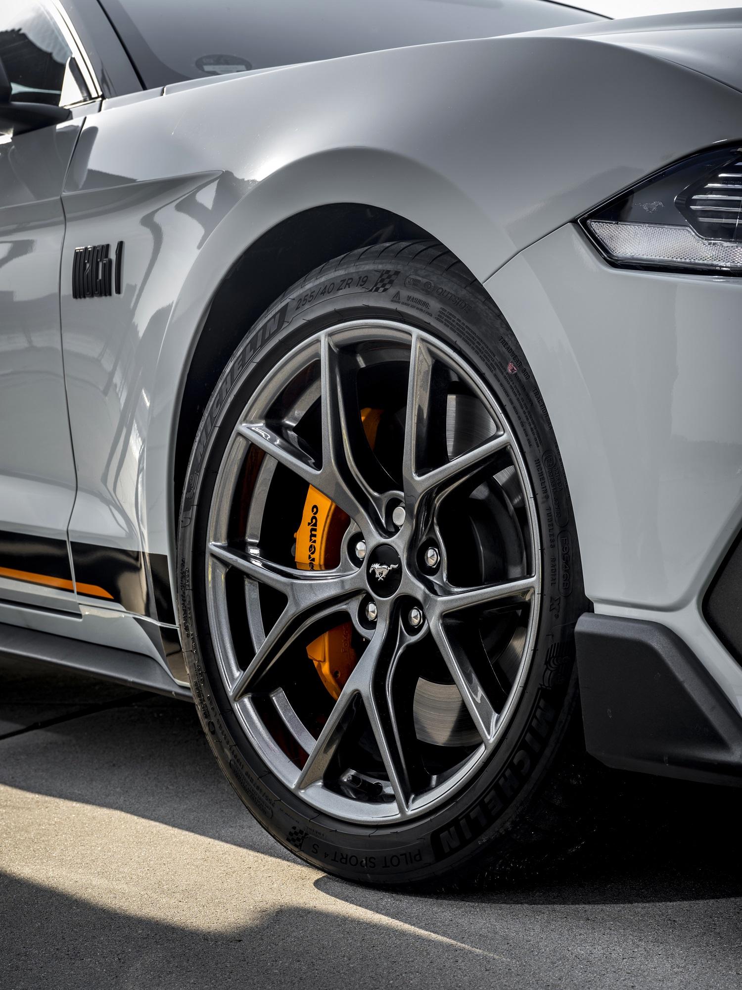 Ford Mustang Mach 1 2021 detalhe roda