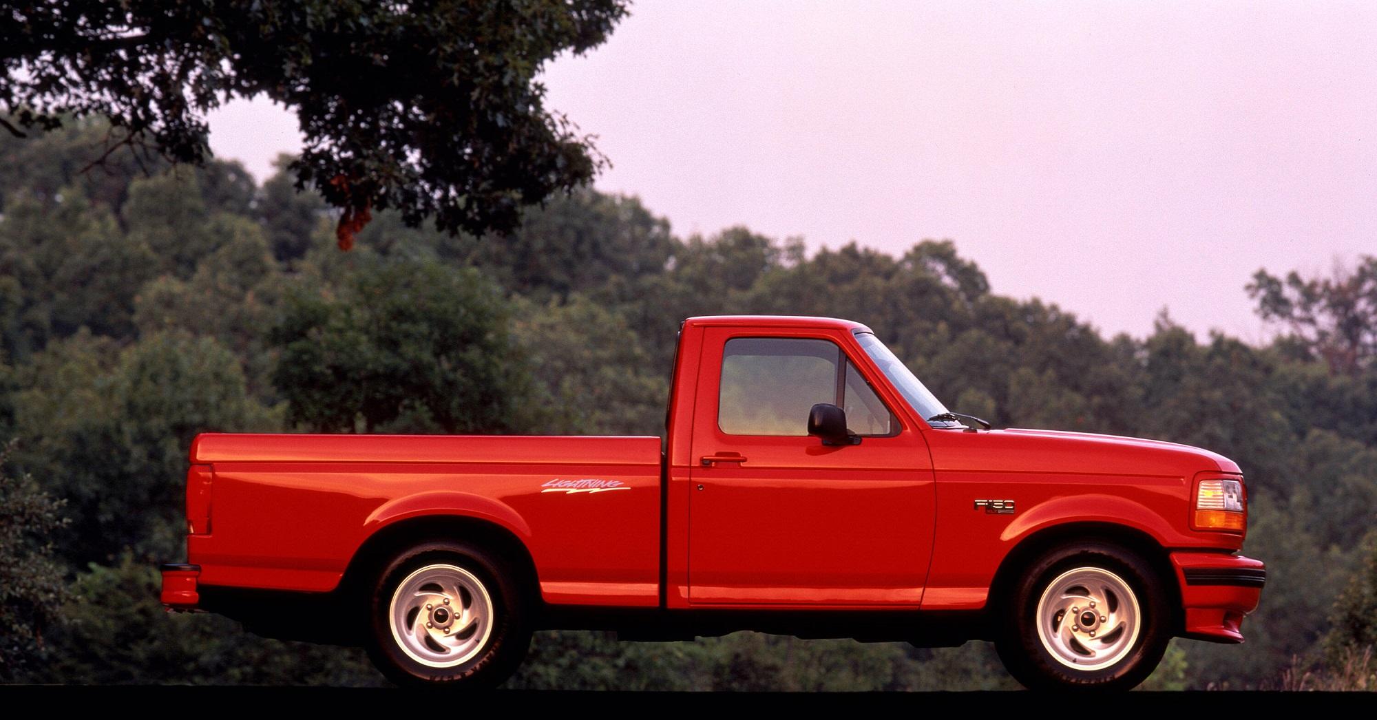 Ford SVT F 150 Lightning 1993 vermelha