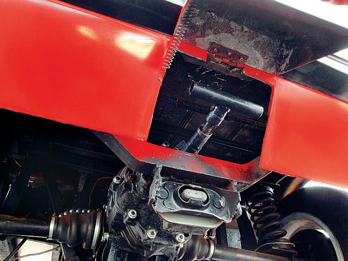 Alavanca que define a relação curta ou longa do Itaipu, automóvel elétrico da Gurgel, testado pela revista Quatro Rodas.