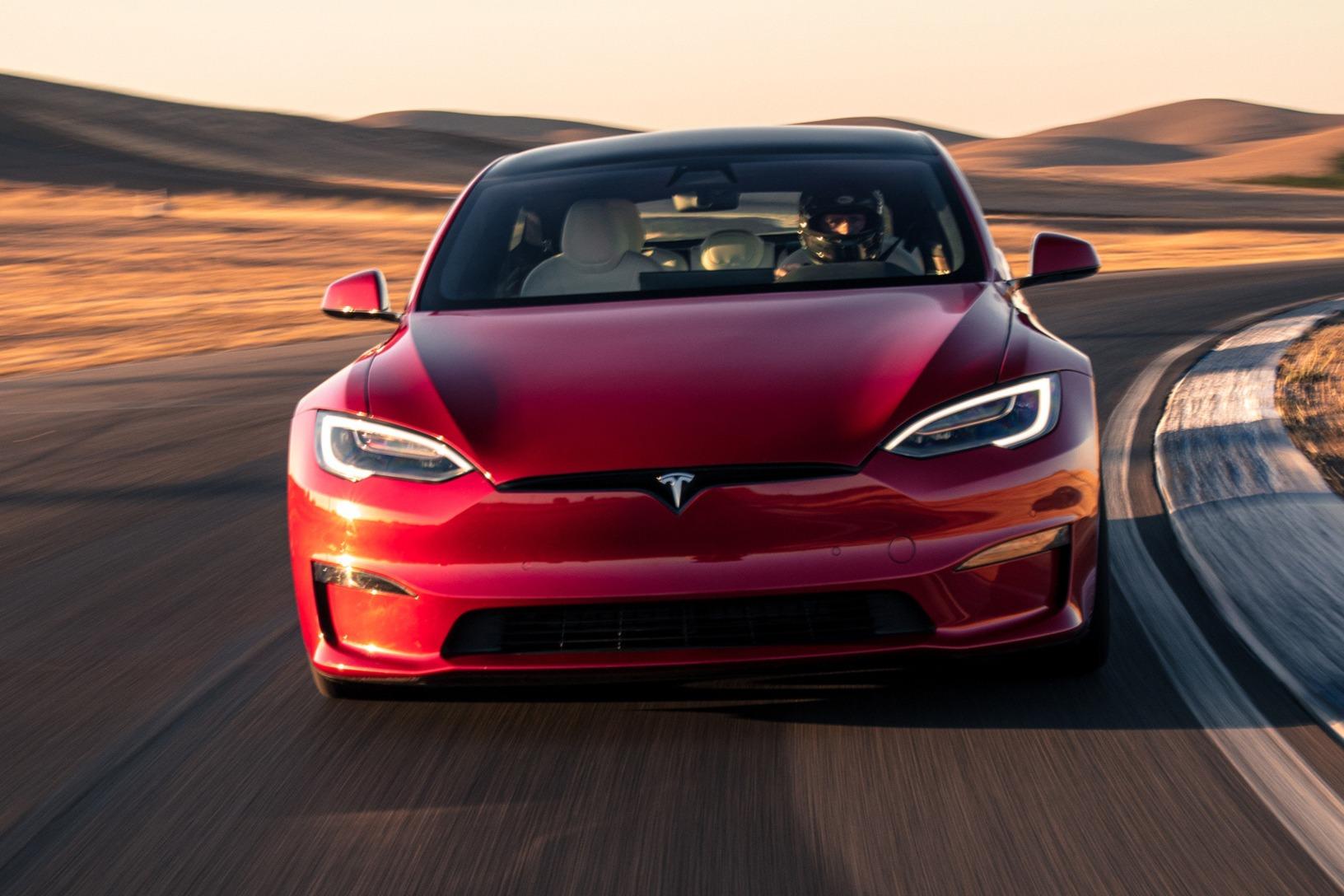 Tesla Model S visão frontal