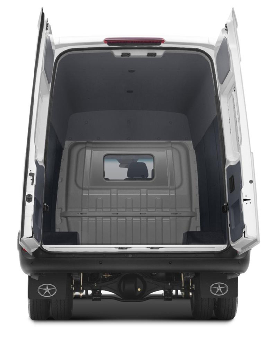 JAC iEV 750V branco visto de trás com porta traseira aberta